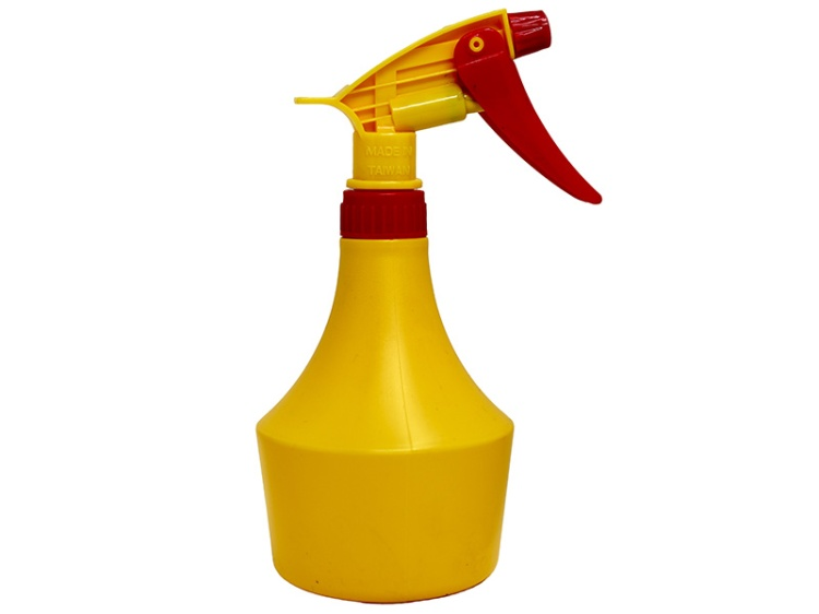 Yellow HDPE Spray Bottle 500ml with Red Yellow Sprayer